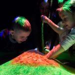 Интерактивная песочница девочка мальчик дошкольники