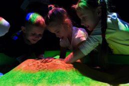 Интерактивная песочница строим вулкан
