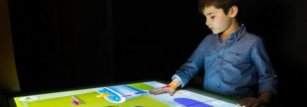 интерактивная песочница умный стол