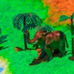 Слон на песочнице