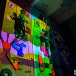 интерактивный скалодром с детьми