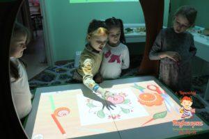 Занятия с интерактивным столом